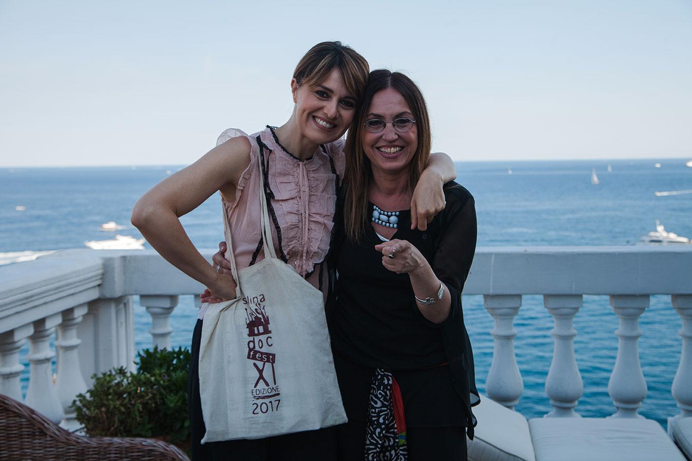 Paola Cortellesi e Giovanna Taviani